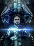 Fantasia e ficção científica, homem preto do látex com sphe de néon azul Fotografia de Stock Royalty Free