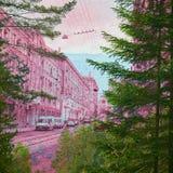 Fantasie-Ökologie-Zusammenfassungs-Hintergrund Stadtlandschaft gemischt mit dem natürlichen auf Papierbeschaffenheit stockfotografie
