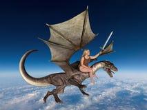 Fantasie-Aktions-Frauen-Fliegen-Drache stockbilder