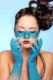 Fantasie-Blau Karosseriekunst des Mädchens stockbilder