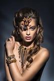 fantasie Spinzitting op mooi vrouwengezicht creativiteit royalty-vrije stock afbeeldingen