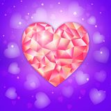 Fantasie-Valentinsgrußtagesromantisches Design mit niedrigem poligonal Juwelherzen auf einem ultravioletten Hintergrund Stockbilder