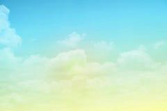 Fantasiewolk en hemel met de kleur van de pastelkleurgradiënt Royalty-vrije Stock Fotografie