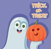 Fantasma divertido de Halloween de la historieta con la calabaza foto de archivo