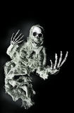Fantasma fantasmagórico que alcanza hacia fuera para Víspera de Todos los Santos Foto de archivo libre de regalías