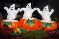 Fantasmas amistosos de Halloween Imagenes de archivo