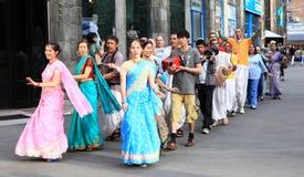 Fantaster från haren Krishna i Almaty arkivbild