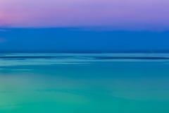 Fantastisch zeegezicht met koele hemelachtergrond openlucht Stock Foto's