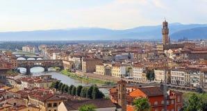 fantastische Ansicht von Florenz mit altem Palast und dem Arno Lizenzfreies Stockbild