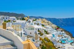 Fantastische Ansicht von Oia in Santorini Stockfotos