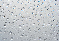 Fantastische dalingen van water op glas Stock Foto