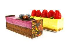 Fantastische Geldstrafe, die Kuchen-Nachtisch speist Lizenzfreie Stockbilder