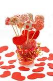 Fantastische Kuchenknalle verziert für Valentinstag Stockbild