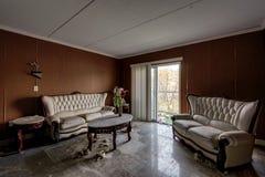 Fantastische Möbel - verlassenes Brown-` s Hotel - Catskill-Berge, New York Stockbilder