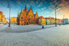 Fantastische ochtendscène in Wroclaw op Marktvierkant, Polen, Europa stock afbeelding
