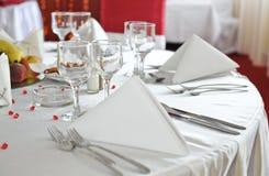 Fantastische Tabelle eingestellt für eine Hochzeitsfeier Stockfotos