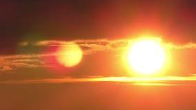 Fantastischer doppelter Sonnensonnenaufgang durch die Wolken stock video