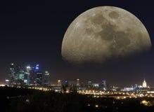 Fantastischer Moskau-Nachtmond Stockfotografie