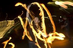 Fantastisk brandshowdans på natten, ledare, 26/02/2016 Castlefield Manchester Arkivfoton