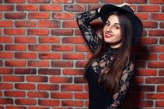 Fantastisk flicka i en hatt Arkivbild