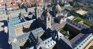 Fantastisk flyg- sikt uppifrån med en bred vinkel av El Escorial, Madrid, Spanien Espana arkivfilmer