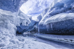 Fantastisk is- grotta royaltyfri fotografi