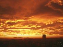 Fantastisk himmel ovanför Kragujevac, Serbien royaltyfri foto