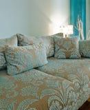 fantastisk märkes- sofa royaltyfri foto