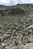 Fantastisk panorama runt om det Banderitsa passerandet, Pirin berg arkivbilder