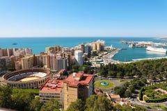 Fantastisk panoramautsikt av den Malaga staden, Andalusia, Spanien royaltyfria bilder