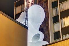 Fantastisk planetinstallation på det interkontinentala hotellet av Amanda Parer under festivalen 2016 för signalljus i Prague Arkivfoto