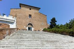Fantastisk sikt av Chiesa di San Marcello al Corso i Rome arkivbild
