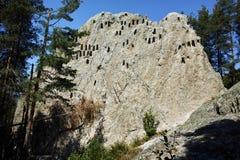 Fantastisk sikt av den Thracian fristaden Eagle Rocks nära stad av Ardino, Bulgarien Royaltyfria Bilder