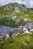 Fantastisk sikt av Trefoil sjön, Rila berg, de sju Rila sjöarna Arkivfoto
