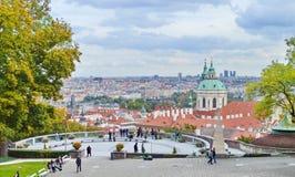 Fantastisk sikt på den Prague staden Royaltyfri Foto