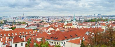 Fantastisk sikt på den Prague staden Royaltyfria Foton