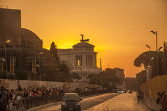 Fantastisk solnedgång i Rome Arkivbilder