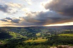Fantastisk solnedgång, maximal områdesnationalpark, Derbyshire, England, Förenade kungariket, Europa Royaltyfria Bilder