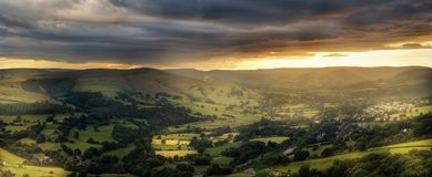 Fantastisk solnedgång, maximal områdesnationalpark, Derbyshire, England, Förenade kungariket, Europa arkivfoton