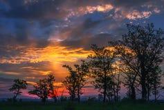 Fantastisk solnedgång med gloria Royaltyfri Bild