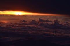 Fantastisk solnedgång på flyg Royaltyfri Foto
