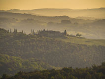 Fantastisk soluppgång i den Chiana dalen Arkivbilder
