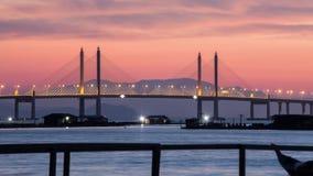 Fantastisk soluppgång och solnedgång i den Penang bron arkivfoton