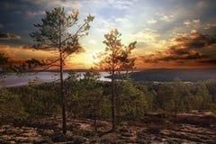 Fantastisk sommarsolnedgång Arkivbilder