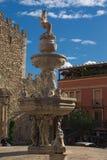 """Fantastisk springbrunn""""Centaur"""" - ett symbol av staden sicily italy Fotografering för Bildbyråer"""