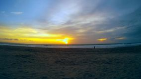Fantastisk tropisk solnedgång lager videofilmer