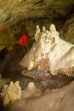 Fantastisk utöver det vanliga naturlig speleothem i stor grotta i nya Athos, Abchazien Royaltyfria Foton