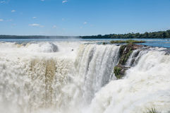 Fantastisk vattenfall i Brasilien Royaltyfri Fotografi
