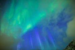 Fantastiska pittoreska unika nordliga ljus Aurora Borealis Over L Royaltyfri Fotografi