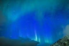 Fantastiska pittoreska unika nordliga ljus Aurora Borealis Over Lofoten Royaltyfri Foto